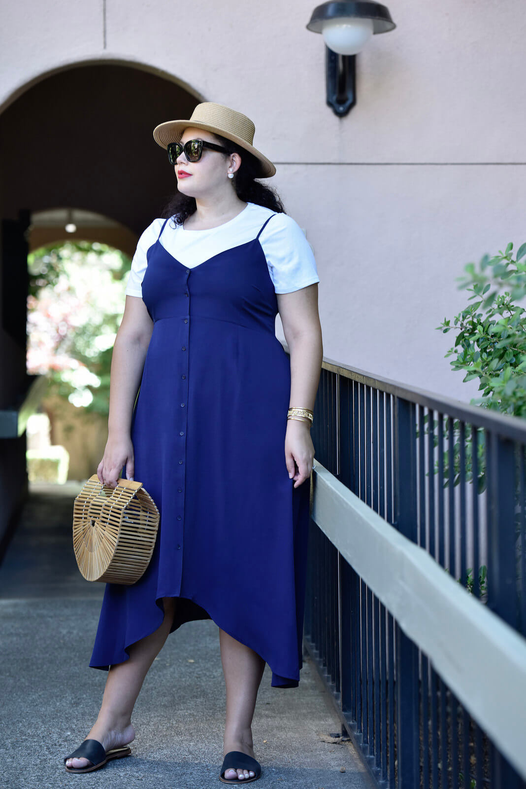How to Modestly Wear a Spaghetti Strap Dress @GirlWithCurves