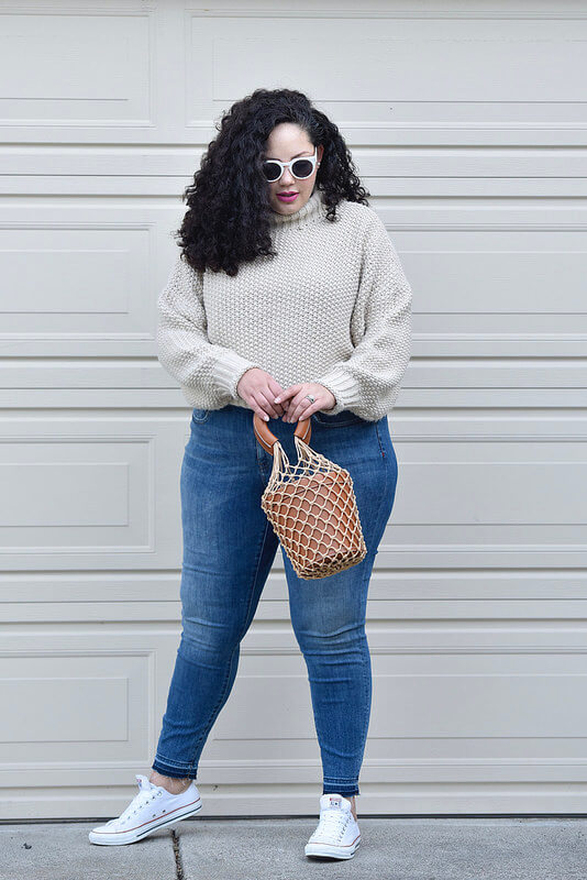 A Comfy outfit that's still stylish via @GirlWithCurves #fashion #outfits #style #mom #curvy