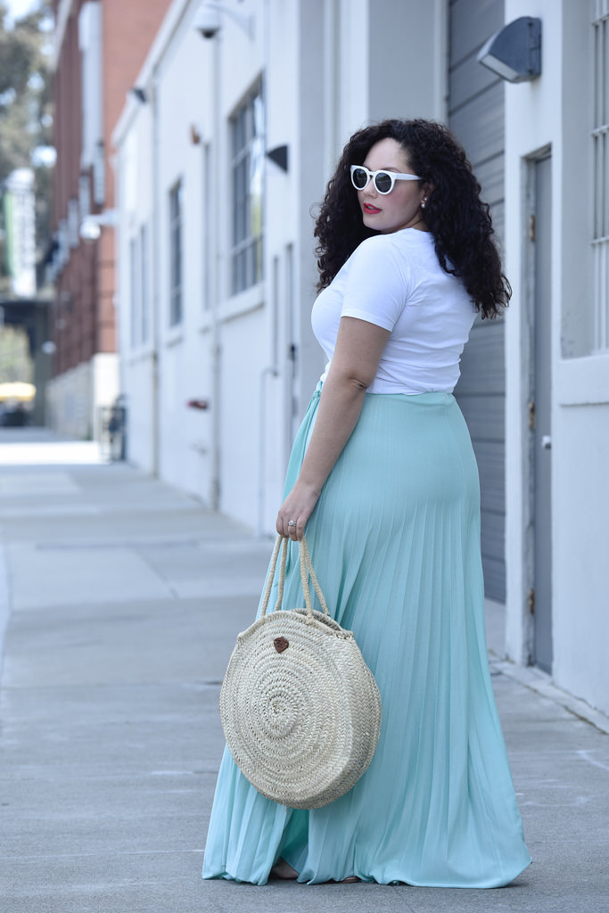 An Unexpected Way to Pull Off Pastels via @GirlWithCurves #style #fashion #ootd
