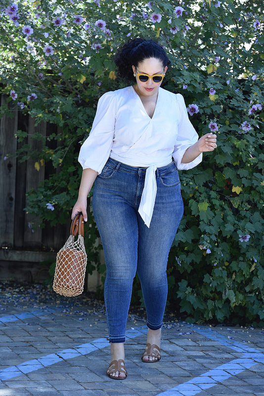 The Perfect Top for High-Waist Jeans via @GirlWithCurves #style #fashion #ootd