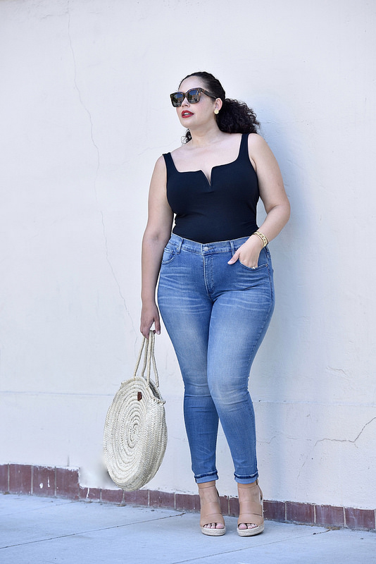 These Are the Perfect Pair of Jeans via @GirlWithCurves #style #fashion #jeans #outfits #ootd