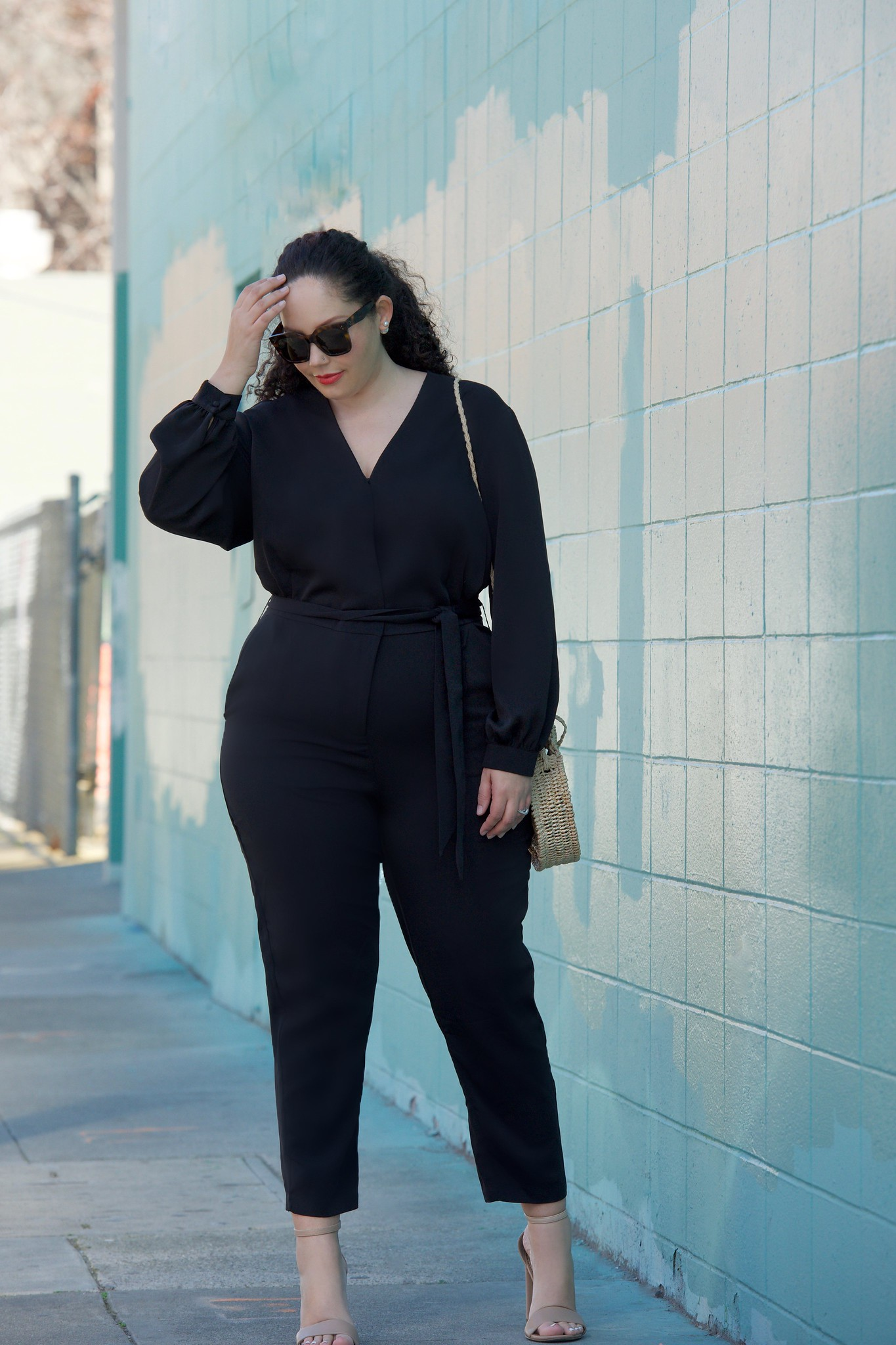 This $23 Jumpsuit Looks Amazing on Curves via Girl With Curves #curvyfashion #plussize #bodypositive