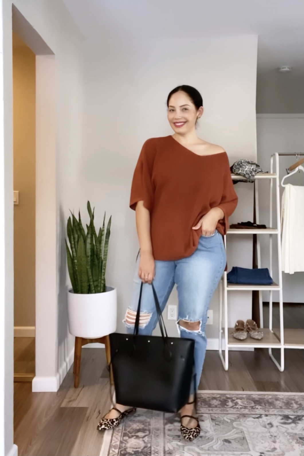 4 Ways to Style the Girl With Curves Tunic Sweater